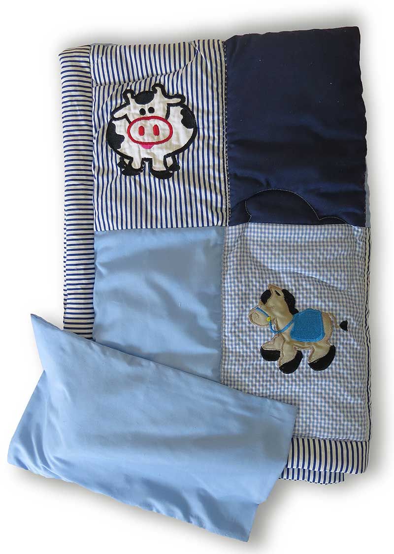 Blue Quilt_with pillow case
